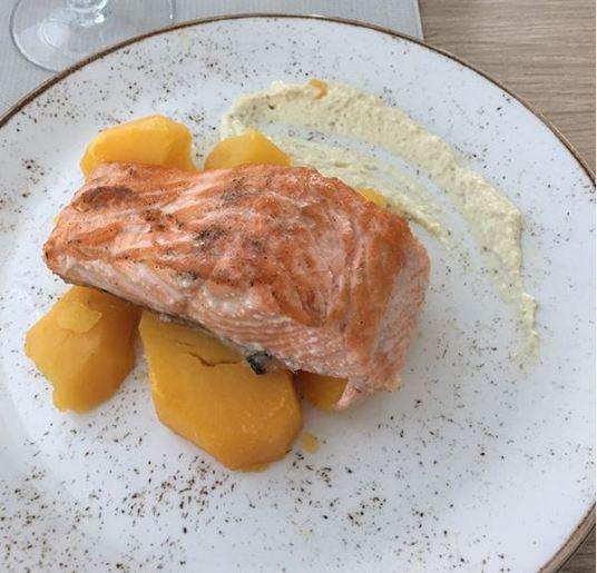 Salmón con patata cocida